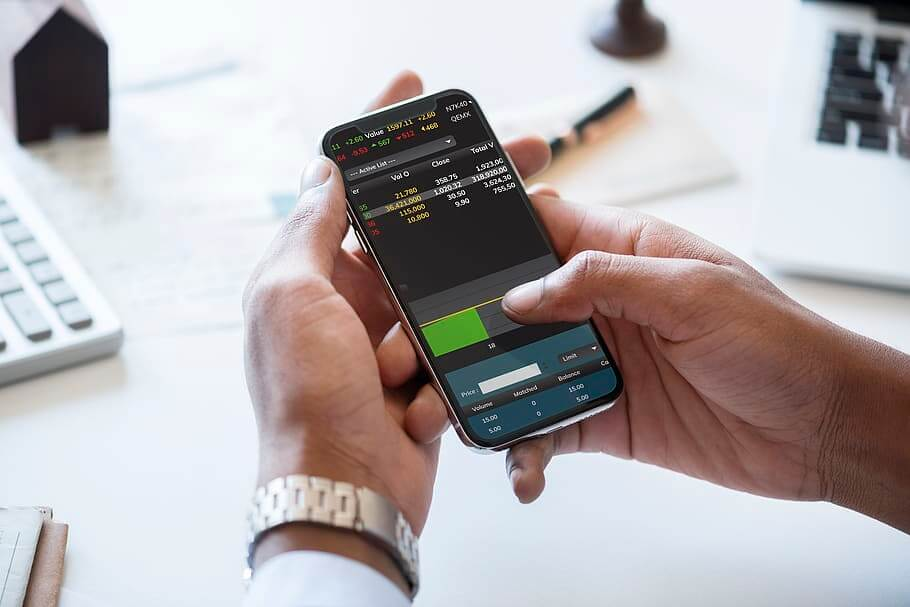 trading on your mobile phone